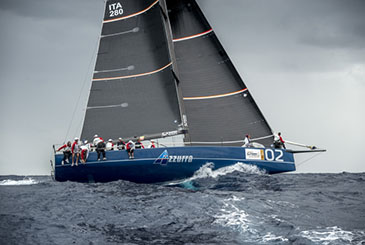 Azzurra vince la prima prova della Menorca 52 Super Series